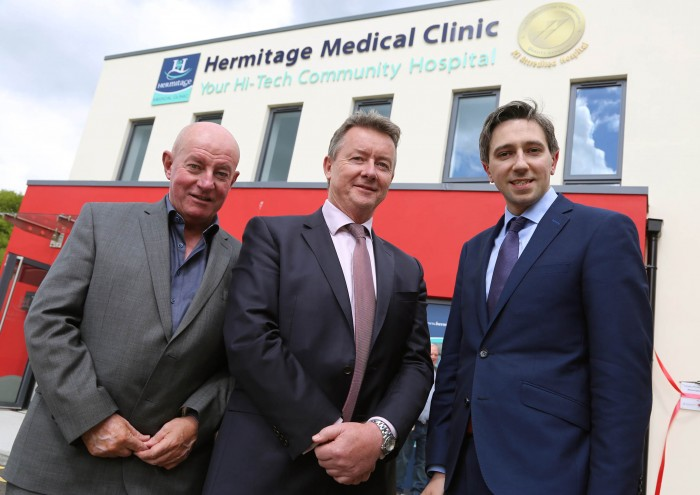Paul Keogh (Chairman of Hermitage Medical Clinic), Eamonn Fitzgerald (CEO Hermitage Medical Clinic) and Minister Simon Harris